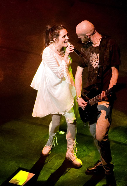 within temptation theater show sharon den adel