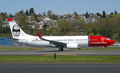 planes norwegian air euronimus