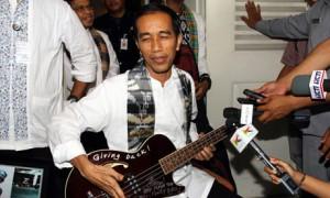 Jakarta governor Joko Wid metallica guitar 300x180