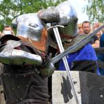 Новая эра мечей. В Озерце прошел фестиваль реконструкции «Эпоха Рыцарства»