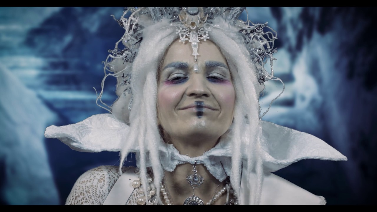 CUSTARD Queen of Snow