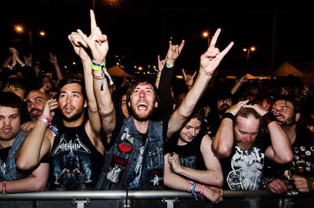metal fans slam