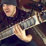 Можно ли играть метал на балалайке? Отвечает Rob Scallon
