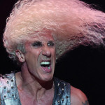 Dee-Snider-headbanging
