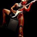 Компания Fender меняет гендерную политику. «50% процентов наших новых покупателей — женщины»