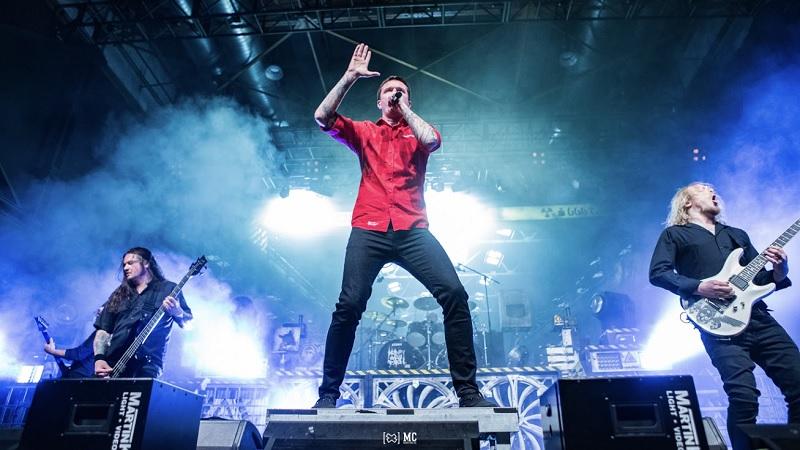 Heaven Shall Burn Band live
