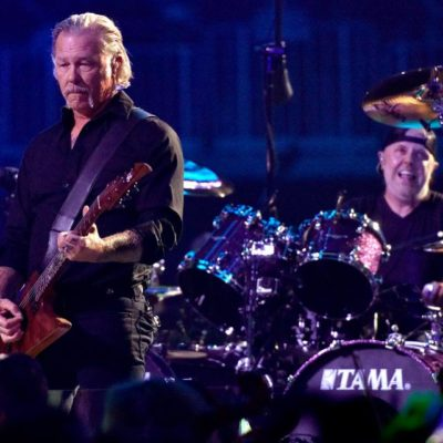 Kirk Hammett: «Мне предложили присоединиться к METALLICA 1 апреля, и я в тот момент сидел на толчке»