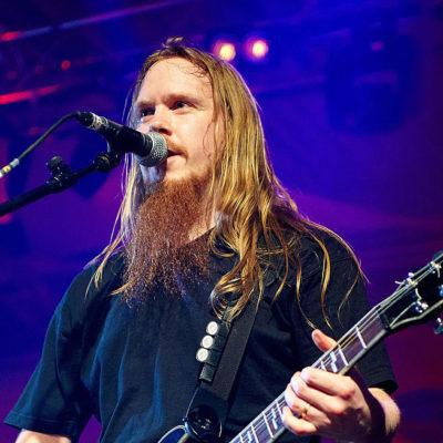 Бывший гитарист SABATON Rikard Sundén осужден за приставание к малолетней девочке и хранение детской порнографии