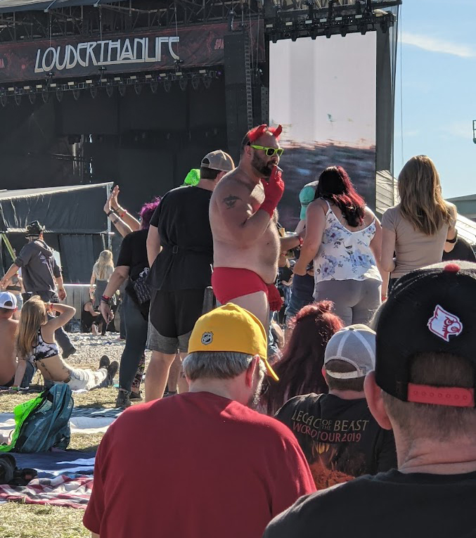 louder than life costumes rock