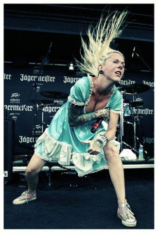 сиськи рок татуировки метал тетки Sarah Remetch Otep Shamaya Maria Brink Karyn Crisis Candace Kucsulain