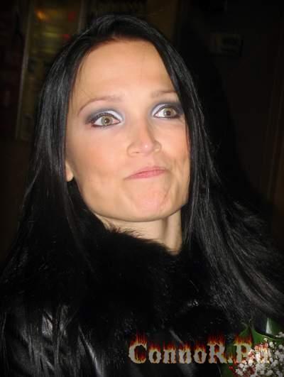 метал тетки Tarja Sharon den Adel Sarah Jezebel Deva Sabina Classen Cristina Scabbia Anneke van Giersbergen Anne Nurmi Angela Gossow Anette Olzon Amy Lee